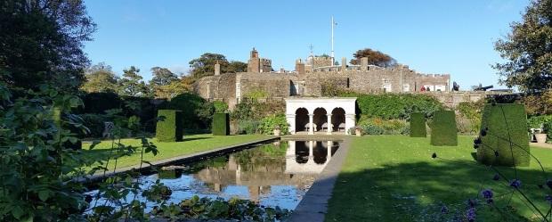 walmer-castle-reflection-pool